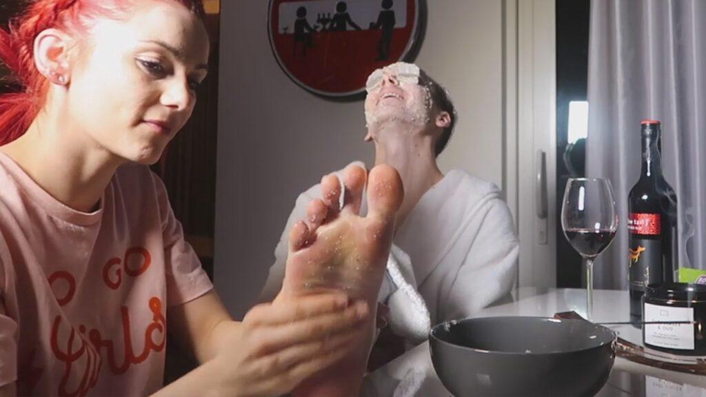 Joe Sugg YouTube Barefoot Influencers GayFootBlog