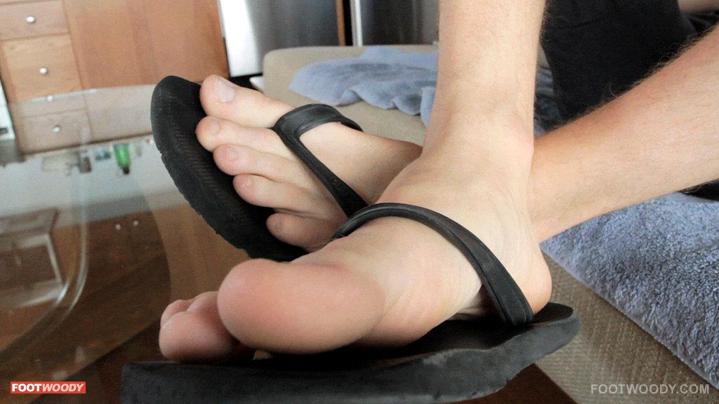 smelly flip flops
