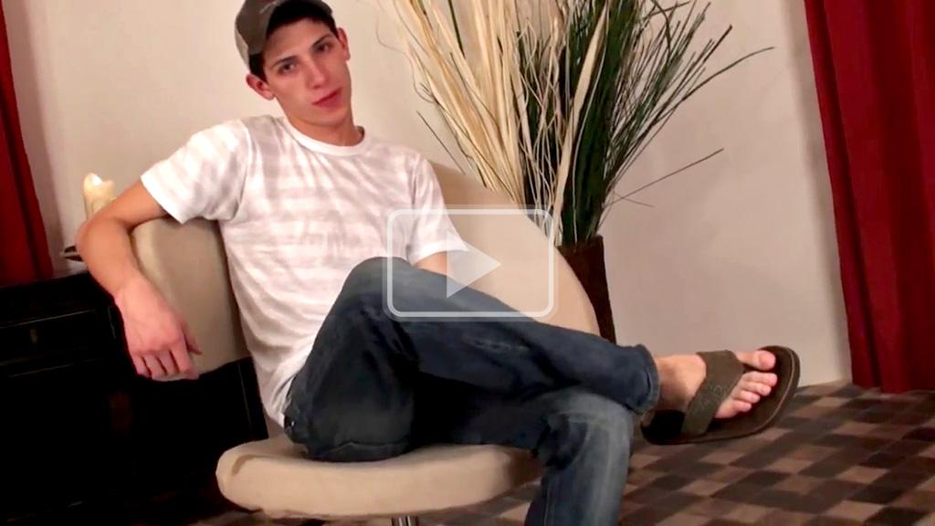 18 year old twink in flip flops
