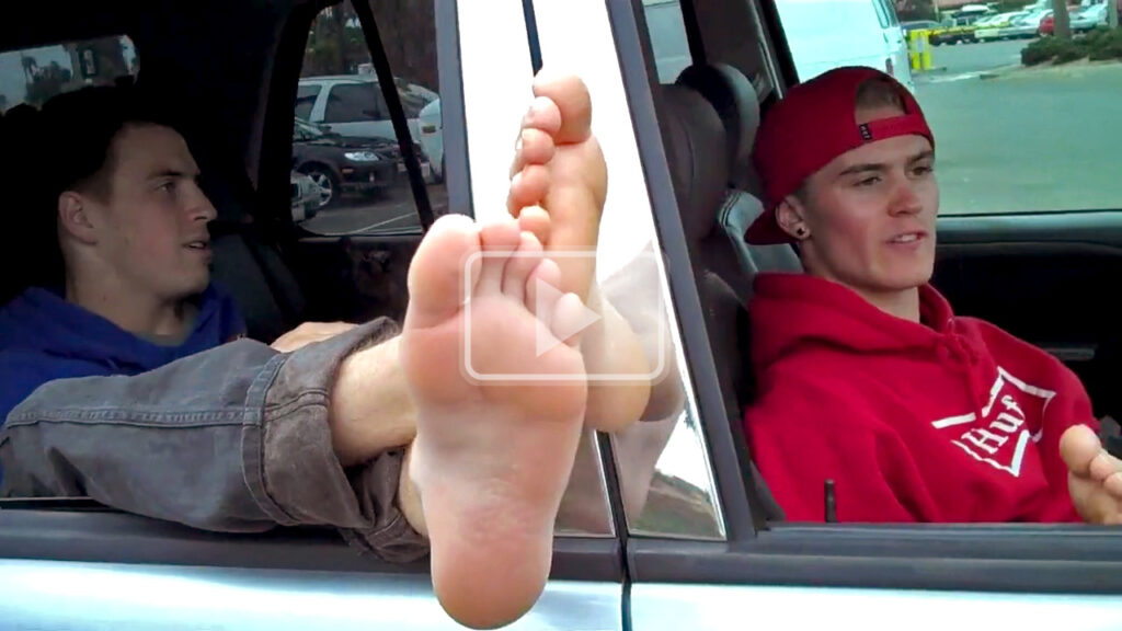 bros before toes - 2 jocks air out their smelly bare feet