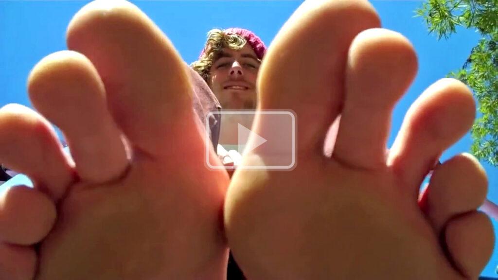 hipster long skater toes