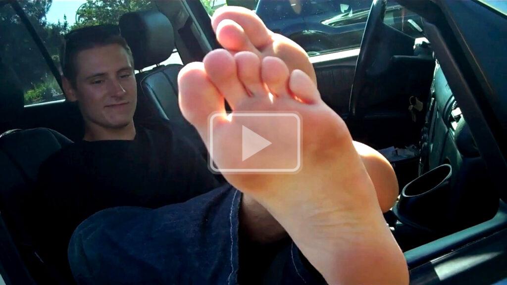 slightly dirty flip flop feet