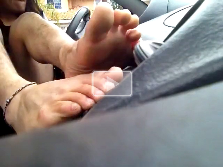 stinky feet in the car